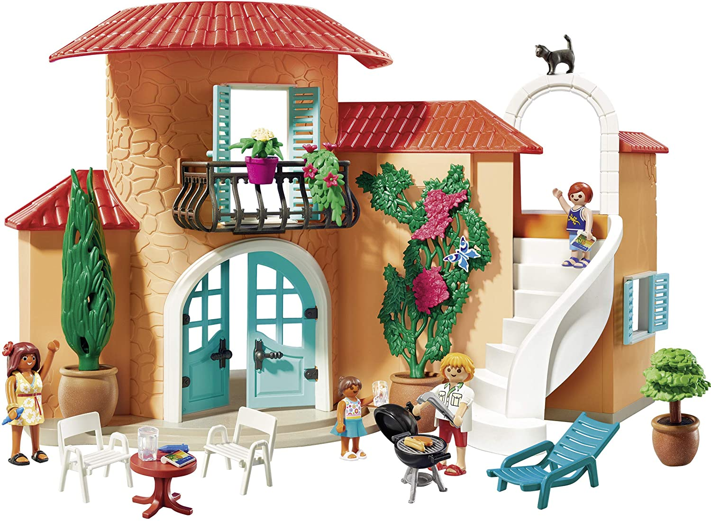 Dieses Playmobil ferienhaus hat eine schöne Fassade.