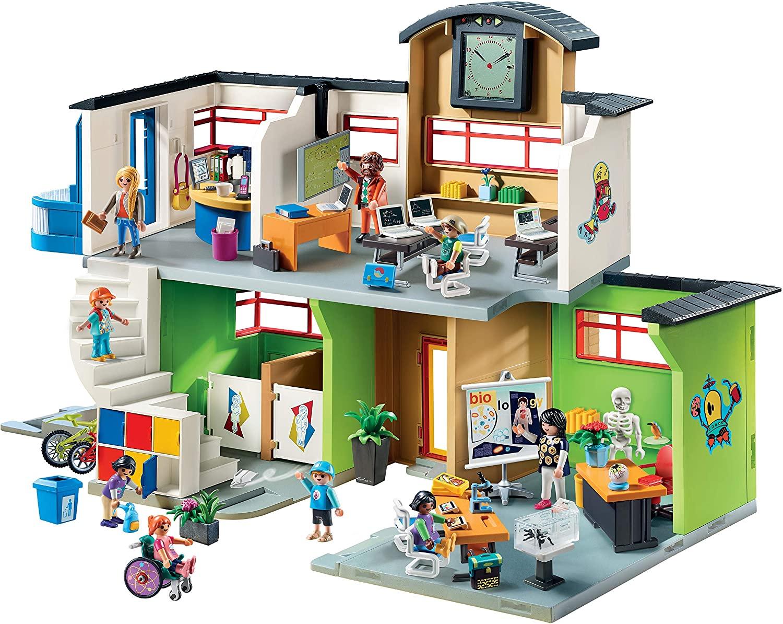 Die Playmobil Schule verfügt über einen Aufzug.