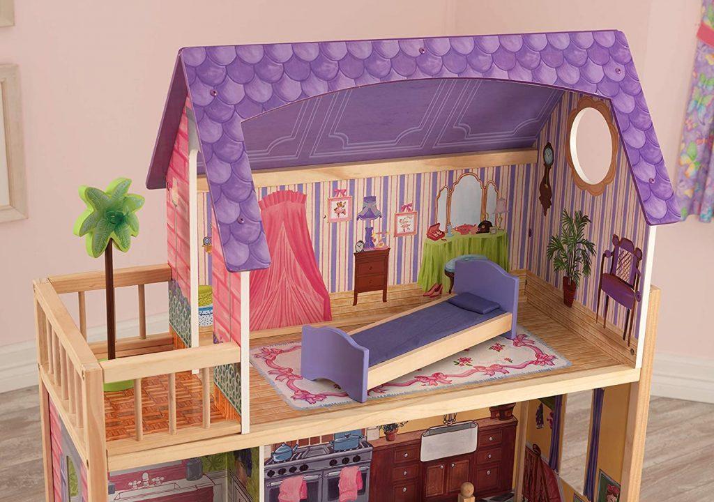 Der Raum im Puppenstube Kikdraft Kayla befindet sich im obersten Stockwerk.